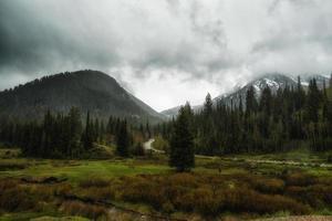 vårregn i wasatchen foto