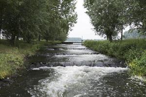 vattenfall i holland från floden maas