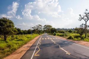 ny väg i Sri Lanka foto