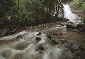 huay saai leung vattenfall av doiinthanon foto