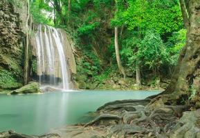 erawan vattenfall, kanchanaburi, thailand