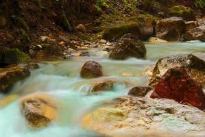 vatten i rörelse foto