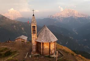 Mount Col di Lana med kapell