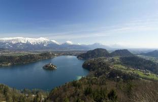 vy på ön av Bled, Slovenien foto