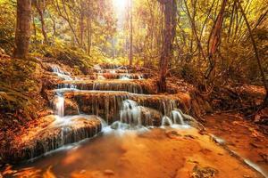 underbart vattenfall i Thailand, Pugang Chiangrai