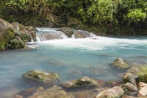 Rio Celeste klart blått vatten foto