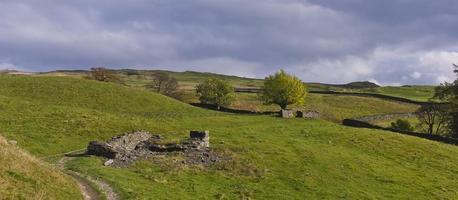 molnigt sjöområde (Cumbria) foto