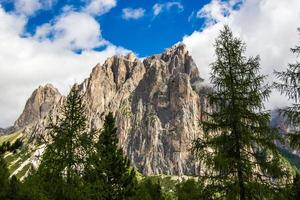 utsikt över Rosengarten-gruppen i dolomiterna, Italien foto