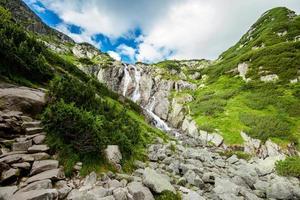 vackra tatry berg landskap fem sjöar dalen foto