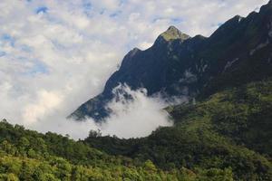 bergskedja i Chiang Mai, Thailand foto