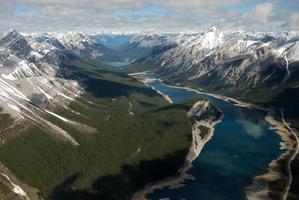 spray sjöar, alberta steniga berg foto