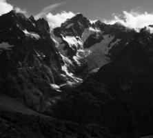 Frankrike. massif des ecrins. från col du lautaret foto