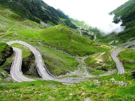 transfagarasan road foto