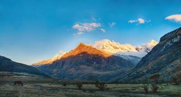 Santa Cruz Trek Mountain i Peru foto