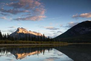 vermillion sjöar, Banff nationalpark foto