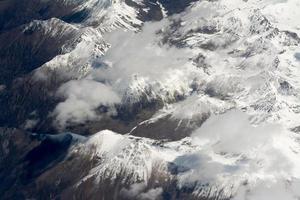 Flygfoto över Himalaya-bergen foto