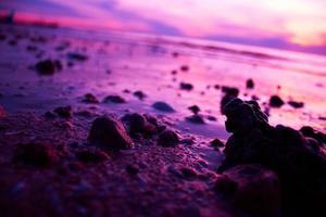 sten på stranden foto