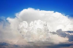 cumulonimbus stormigt moln foto