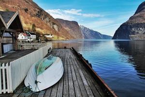 norska fjordhuset foto