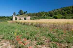 ruin av ett hus i Frankrike foto