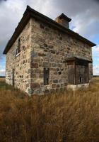övergiven stenhus i natursköna saskatchewan foto