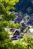 traditionell och historisk japansk by ogimachi - shirakawa-go, japan foto