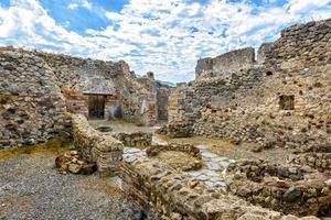 ruiner av ett hus i pompeii, Italien foto