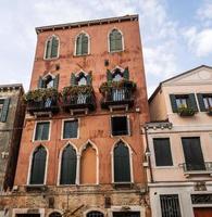 berömda forntida hus i venezia foto