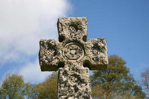 kyrkogård keltiskt kors foto