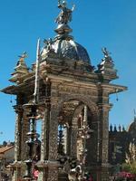första statyn i Corpus Christi-paraden, Cusco, Peru foto