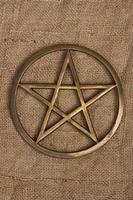 mässing pentacle / pentagram foto