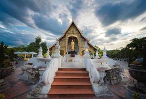 placera en älskad gammal buddhistisk lanna.wat phra-singha-templet bra