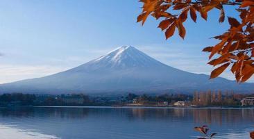 mt. fuji från sjön kawaguchi foto
