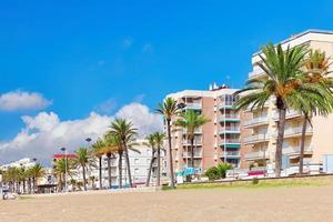 strandpromenaden, stranden, kusten i Spanien. foto