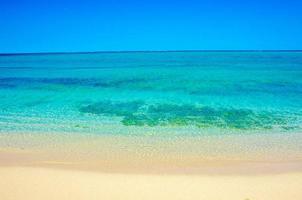 vacker vit strand