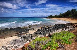 liten strand i Makena State Park, foto