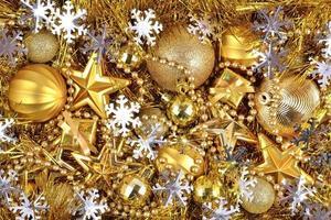 gyllene och silver juldekorationer foto