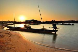 longtail båt foto