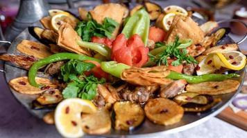 sac ichi kött och grönsaker måltid