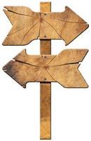 träriktningsskylt - två pilar foto