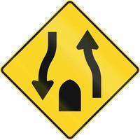centralreserv med tvåvägs trafik slutar i Kanada foto