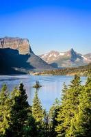 vertikal landskapsvy av bergskedjan i glaciären np, usa
