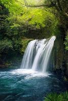 japanskt vattenfall foto