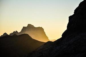 vandra upp på marmolata - Dolomiterna, Italien foto