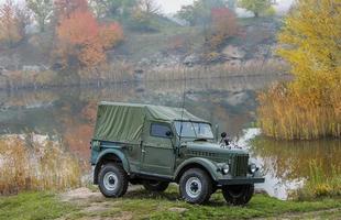 gamla amerikanska jeep