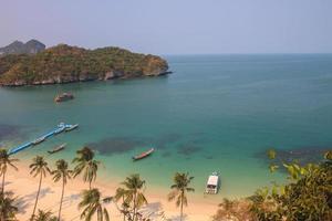 vackra tropiska havet på sommaren