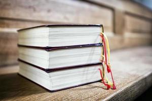 tre böcker foto
