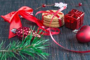 jul bakgrund med kakor och dekorationer foto