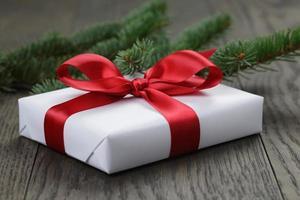 vit presentask till jul foto
