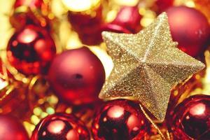 jul vintage dekoration på trä bakgrund foto